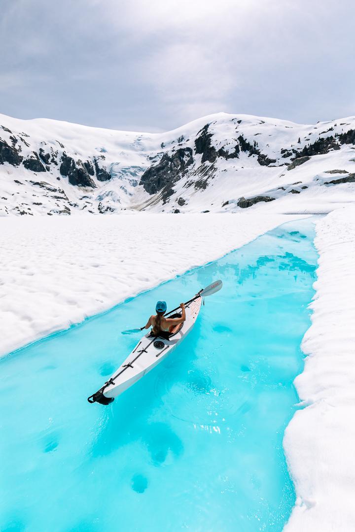 Плавание на каяке в горах