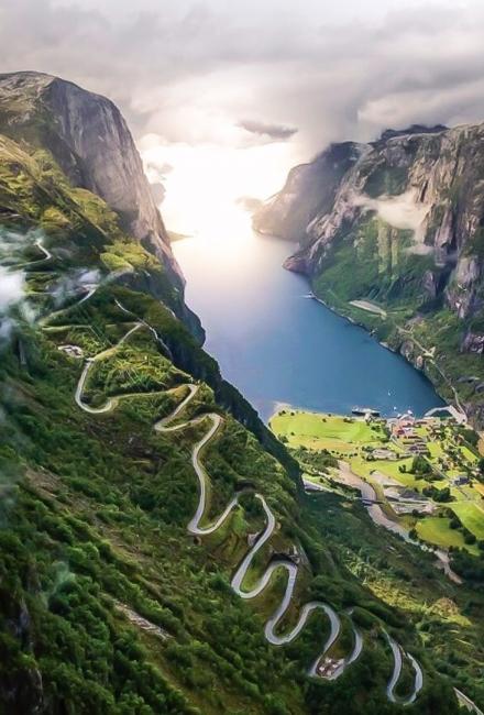 Люсеботн. Норвегия