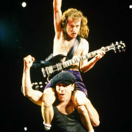 Приколы AC/DC: Брайан Джонсон и Ангус Янг