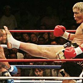 Халкоподобный боксёр с пистолетом