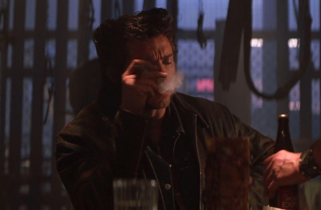 Момент из фильма Люди Икс (2000): Росомаха в баре