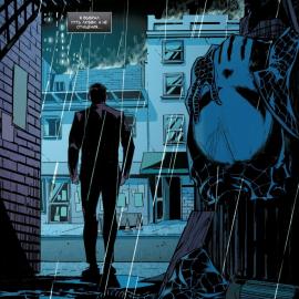 Человек-Паук выбросил костюм