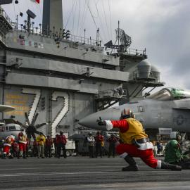 Санта-Клаусы на авианосце Карл Винсон