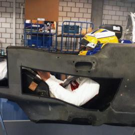 Болид Формулы 1 изнутри