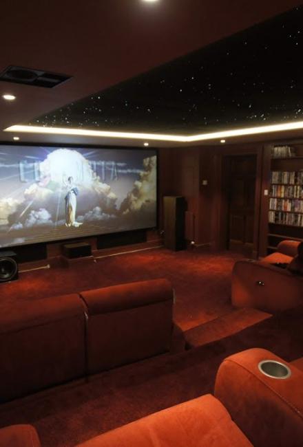 Кинотеатр дома: Процесс построения и оборудование