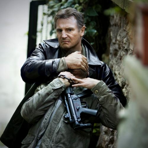 Лиам Нисон – Спецназовец, Телохранитель, учитель Бэтмена. Спасал самолёт, поезд и даже подлодку